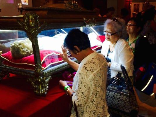 Pilgrims visit relic