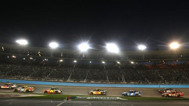 Phoenix International Raceway's spring NASCAR weekend was a night race from 2005 to 2010. Track President Bryan Sperber hopes to return to having night races at the track and Tuesday's announcement that the 2015 race date is moving to later in March is a step in that direction.