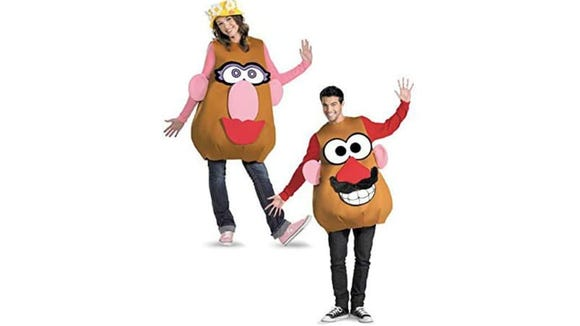 Carb up your night with these cool potato-couple costumes.