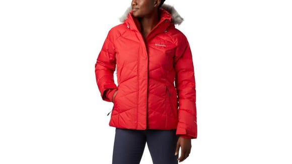 Maintain your style on and off the slopes with this coat,