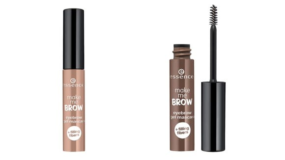 Give your brows a feathered out effect with the Essence Make Me Brow.