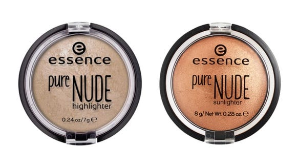 Make your skin glow with the Essence Pure Nude Highlighter.