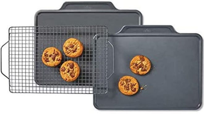 Serious bakers can depend on All-Clad's reliable bakeware.