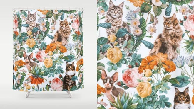 Add some kitsch with these cute cats and flowers.