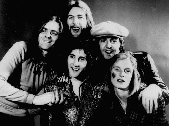 Members of the group Wings, including Paul and Linda