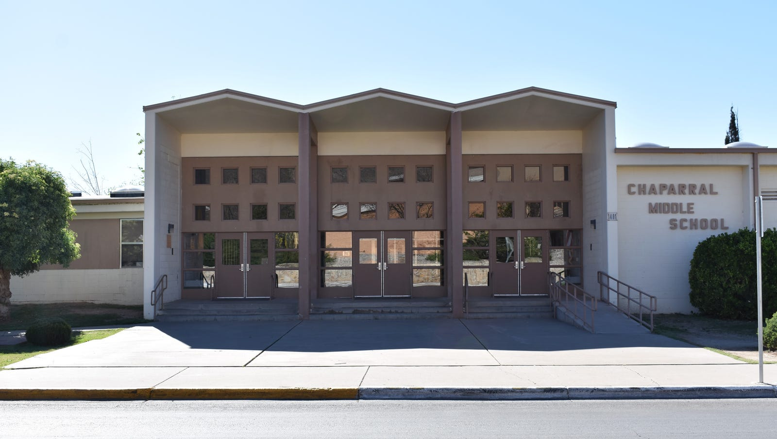 New Mexico man arrested in nude bathing incident at Alamogordo middle school
