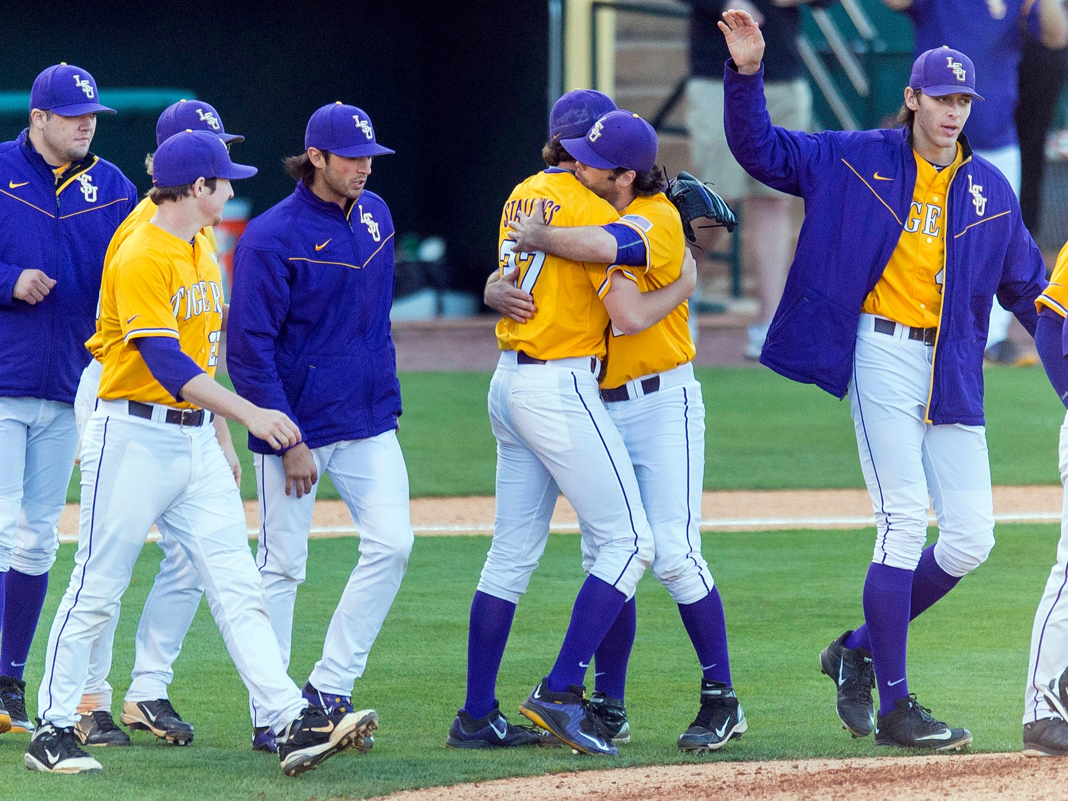 Tigers collect 14 hits in 11 2 victory over UNO