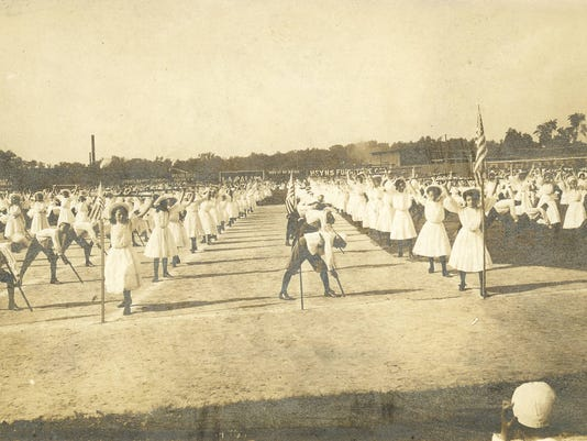 636627768807274774-0522-EVFE-history-lesson-Evansville-Field-Day-1912.jpg