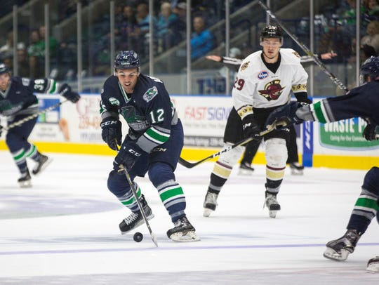 Everblades defender Nelson Armstrong maneuvers the