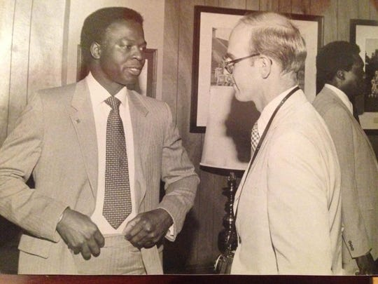 Bob Tompkins interviews Baseball Hall of Famer and Southern University alumnus Lou Brock at reception before the Louisiana Sports Hall of Fame banquet in 1983.