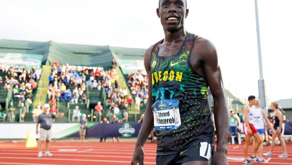 Oregon's Edward Cheserek looks out to the crowd after