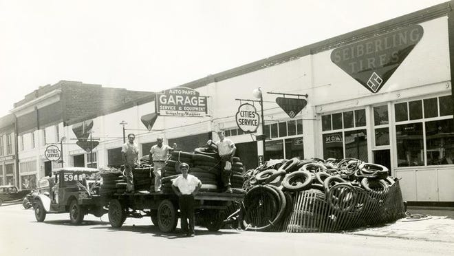 The Kingsley-Wagner Motor Supply Co. shown in 1942.