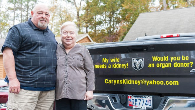 In search of a new kidney for his wife Caryn, Arie Klapholz of Ocean Pines has turned to asking for a donation from the community, going as far as asking right on the back of his truck.