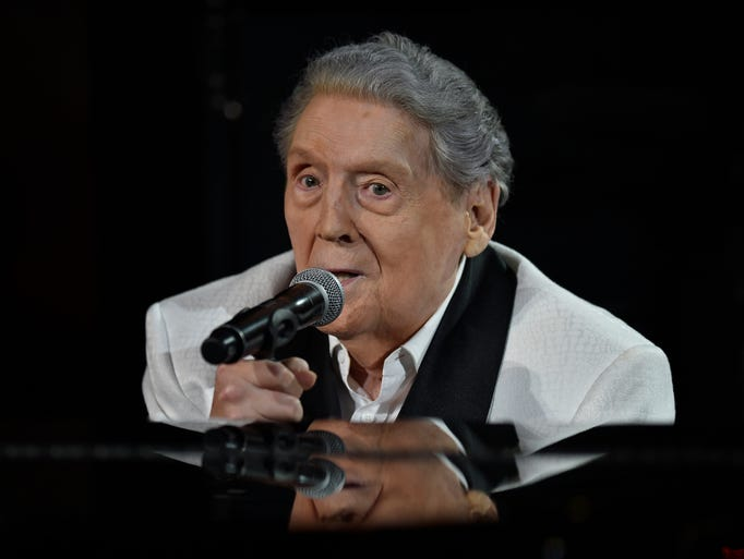 Jerry Lee Lewis performs at the tribute show in his