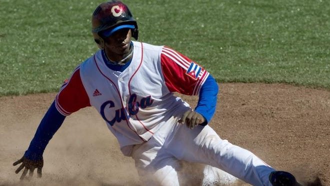 The Reds will be among the teams at a showcase of 27-year-old Cuban Rusney Castillo on Saturday at the University of Miami.