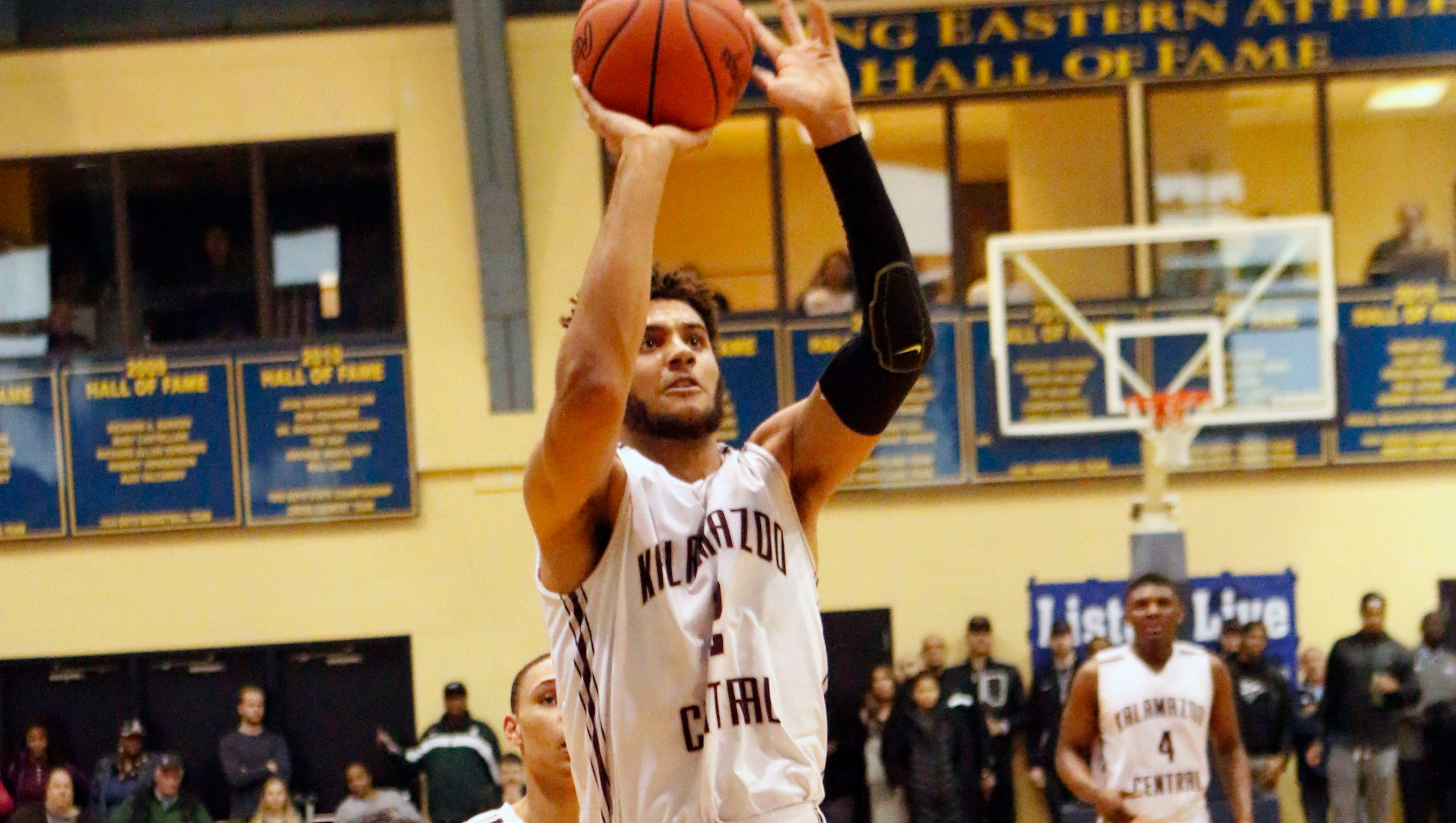 Boys hoops: Tillman gets better of Mr. Basketball in state ...