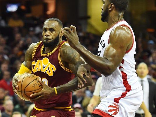 watch 76b5a 161c9 LeBron James scores 28 as Cavaliers edge Raptors