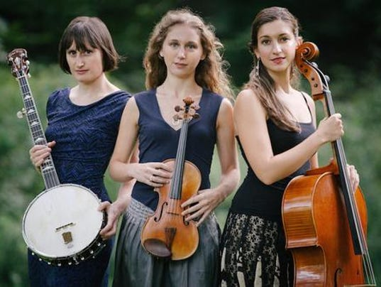 dcn 0819 woodwalk concert Harpeth Rising