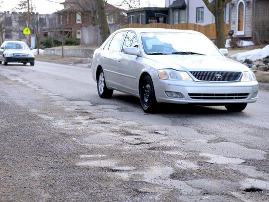 -Potholes 3.jpg_20140324.jpg
