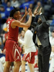 Alabama coach Avery Johnson and guard Dazon Ingram