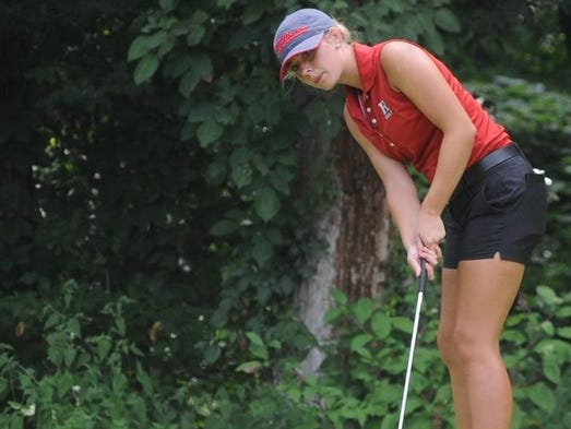 Richmond's Kayla Owens putts during Monday's Joe Moehring Invitational at Forest Hills.