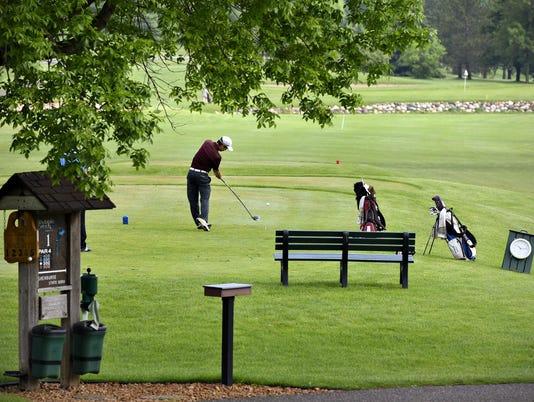 STC 0607 Becker Golf Course 1