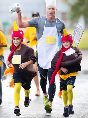 The three best Thanksgiving-themed costumes will win a pumpkin pie.