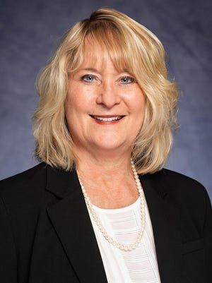Tish Hollingsworth announced plans to retire from the Kansas Hospital Association in January 2021, after 15 years with the organization.