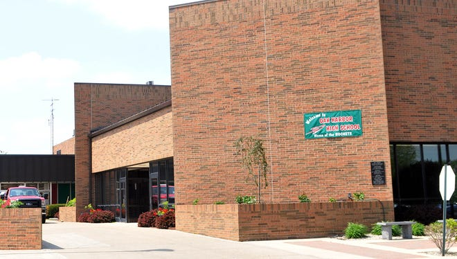 Oak Harbor High School recently released its honor roll for the second grading period in 2016-17.
