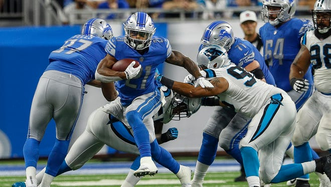 Lions running back Ameer Abdullah runs the ball in the second half against the Carolina Panthers at Ford Field in Detroit, Sunday, Oct. 8, 2017.