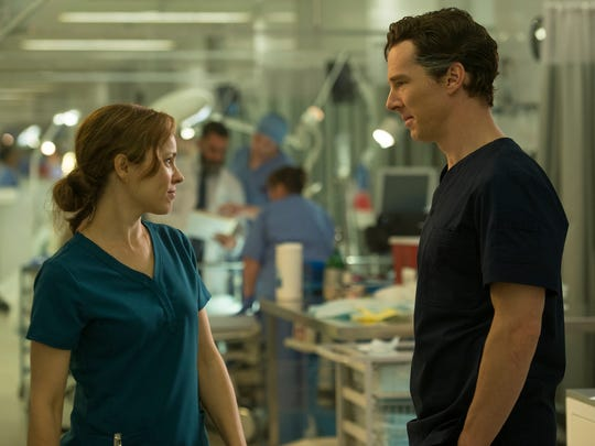 Christine Palmer (Rachel McAdams) and Stephen Strange