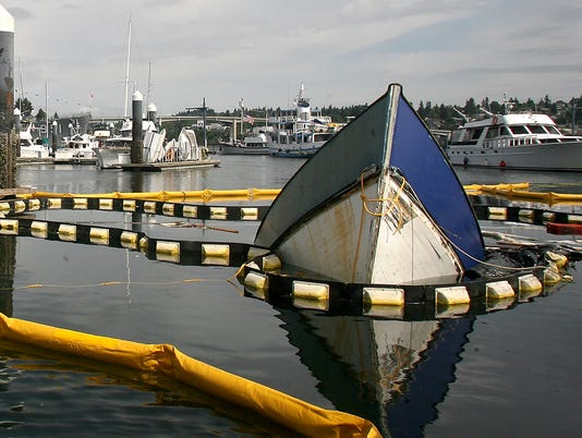 Sunk-Boat-01.JPG