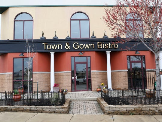 LAF Town & Gown 040915