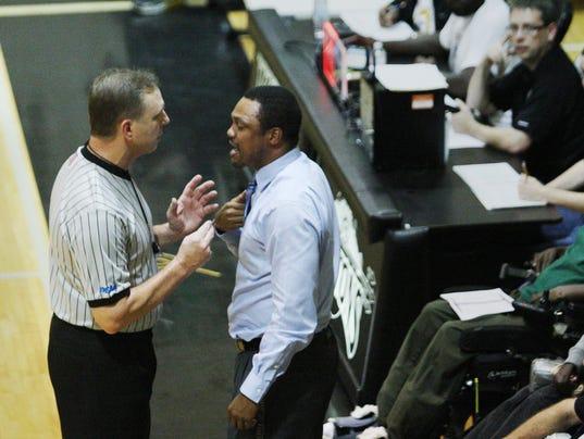 Mariner teacher, boys basketball coach arrested for having ...