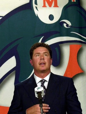 Dan Marino retired in 2000. Could a return to the Dolphins help in the upcoming season?