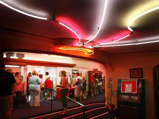 5_theater.157597.jpg