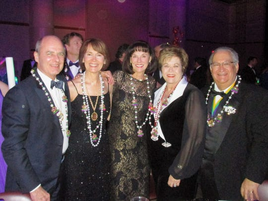 Dave and Mary Romagosa, Gayle Robertson, Debbie and Jimmy Dupuis