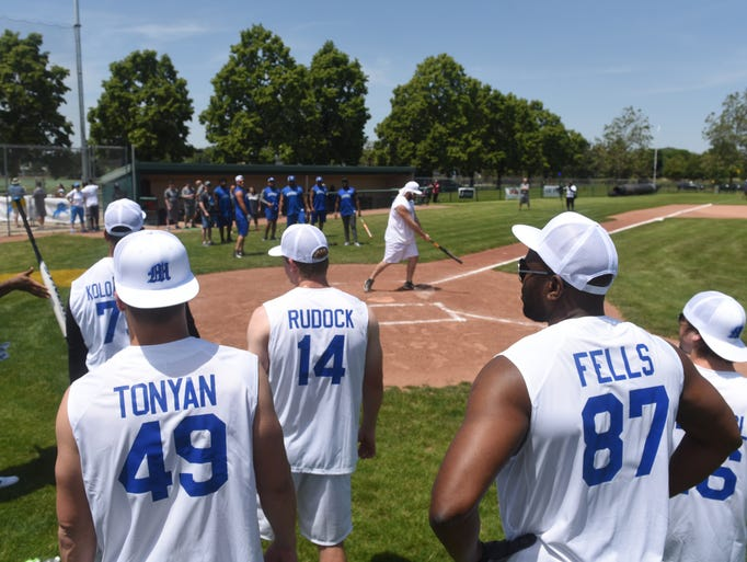 Celebrity softball game detroit