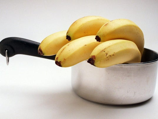 pot with banans