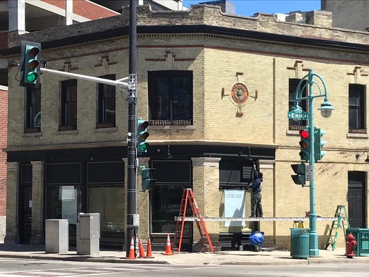 Milwaukee\'s Third Ward is getting a new corner bar, Tied House, in May