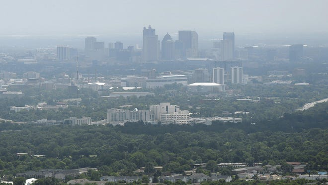 Smoggy air covers the Downtown skyline on an air quality alert day in 2016.