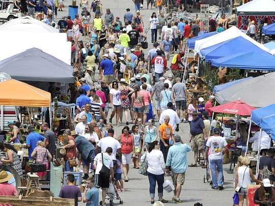 The Nashville Flea Market, with hundreds of vendors each month, takes place at Fairgrounds Nashville the fourth weekend of every month (except December when it is the third weekend).