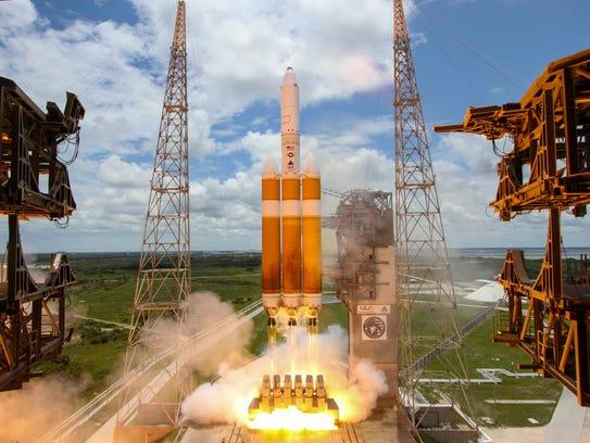 United Launch Alliance's Delta IV Heavy rocket blasts