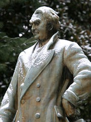 Thu, 7 Jan 10 (ddust2)  Photo by Dave Darnell.  A light snow dusted Memphis, but caused very little, if any, inconvenience.  The statue of E.H. Crump in Overton Park.