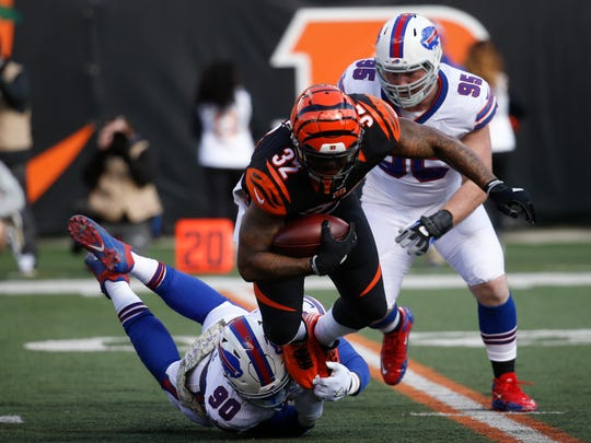 Last week against the Bengals, Shaq Lawson blew up this play and tackled Jeremy Hill for a  loss.