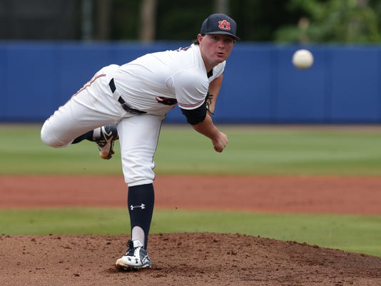 NCAA Baseball Tournament, Super Regionals: Auburn Tigers vs. Florida Gators, Game 2