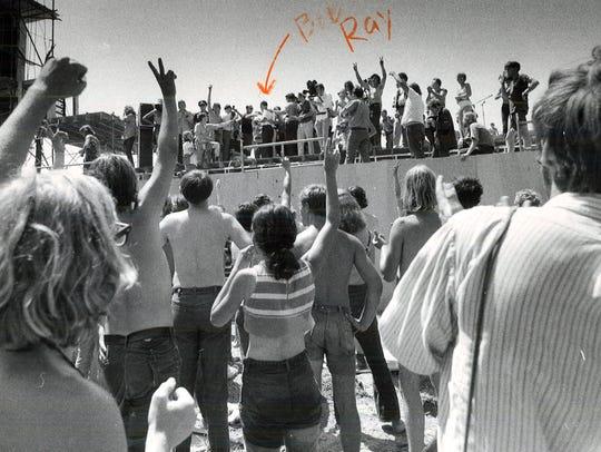 Iowa Gov. Bob Ray visited the Wadena rock festival