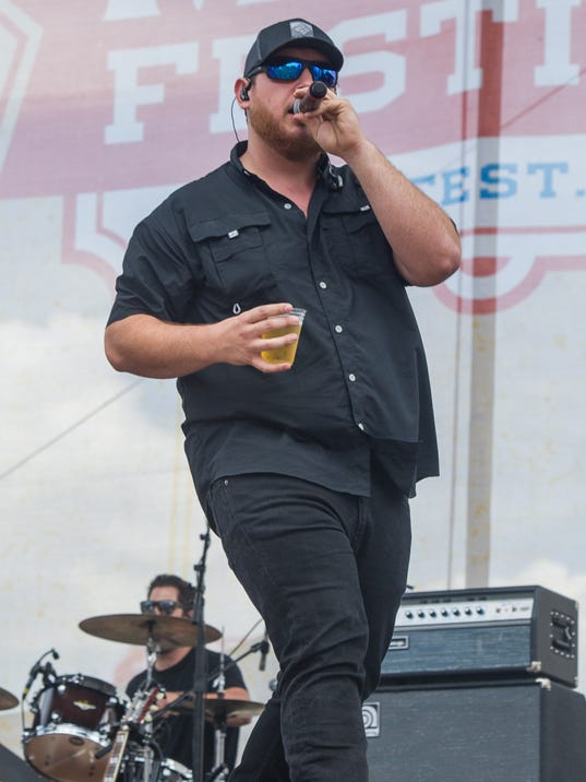 Luke combs forges own path finds hurricane of fame m4hsunfo