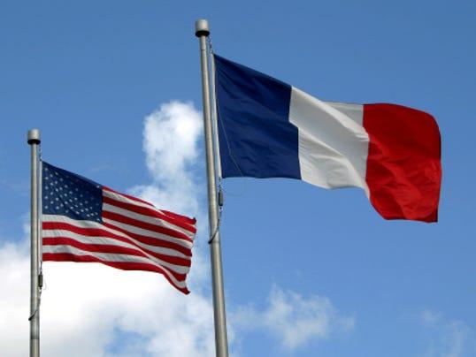 STOCKIMAGE-FrenchFlagandAmericanFlag