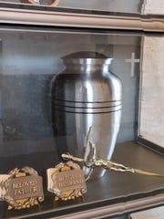 An urn.